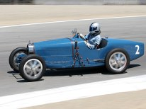 Bill Lyons in his Type 35 at turn 6